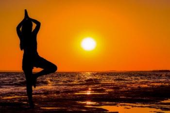 sun yoga posemin  mind body beautiful soul